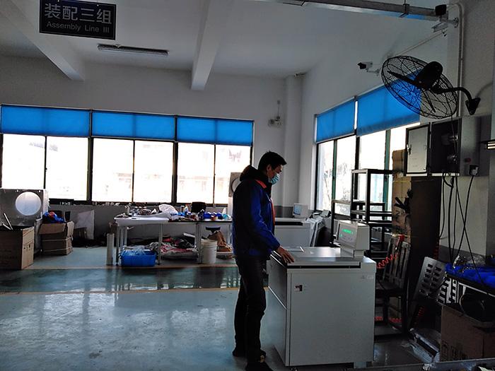 调试车间一个一个工作区,保证工作时不交集.jpg